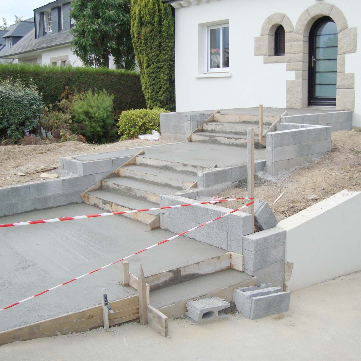 Vert l 39 ouest paysagiste coach jardin formation for Carreler une terrasse en beton